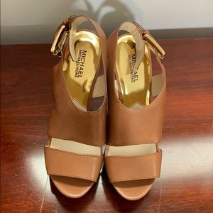 Shoes - Michael Kors sandals women's shoes Tan 9M NEW